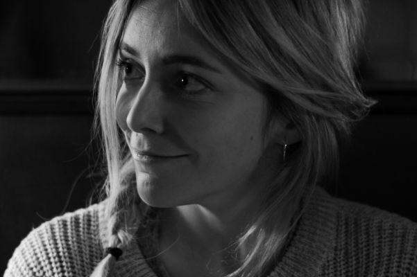 Van Hak Deuren : Charlie en hannah gaan uit filmtheater t hoogt